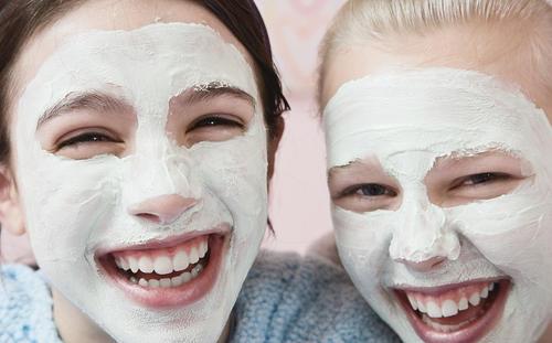 敷面膜的正确步骤,别让错误的方法毁了你的脸